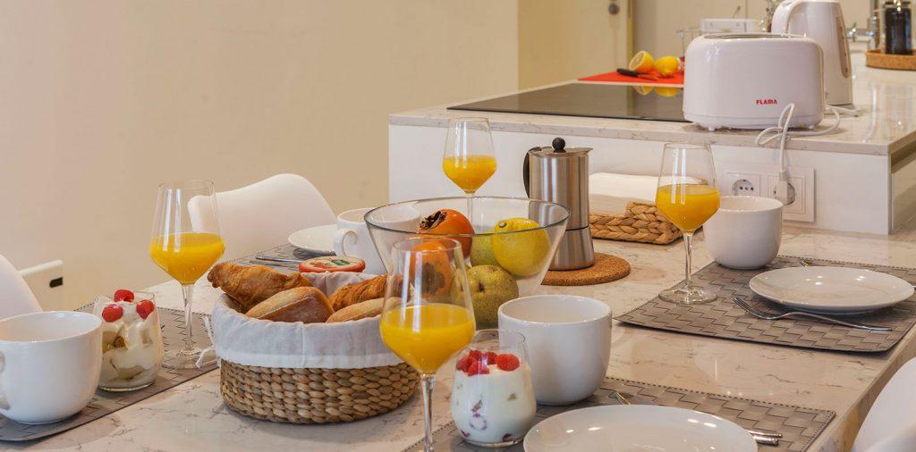 Modern Chic Residence - Kitchen
